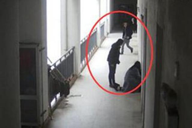 湖北一女学生校内遭陌生男子猥亵 反抗时惨遭殴打