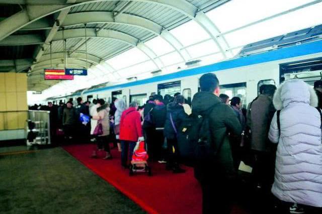 武汉轨道交通一号线信号故障 乘客中途下车换乘