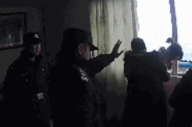 服装厂老板被判赔一万余元 其妻跳楼对抗执行
