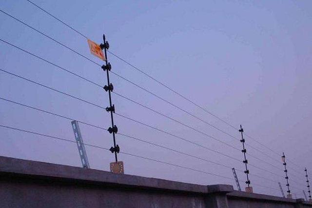 """天河机场为网约车设""""电子围栏"""" 不规范停车不派单"""