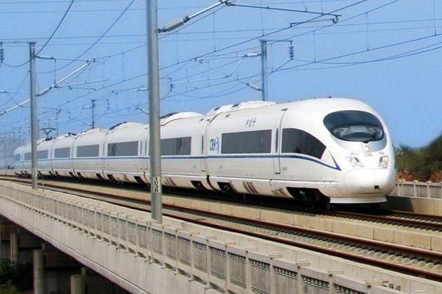 短途旅客高度集中 武铁本周末每天增开50列省内动车
