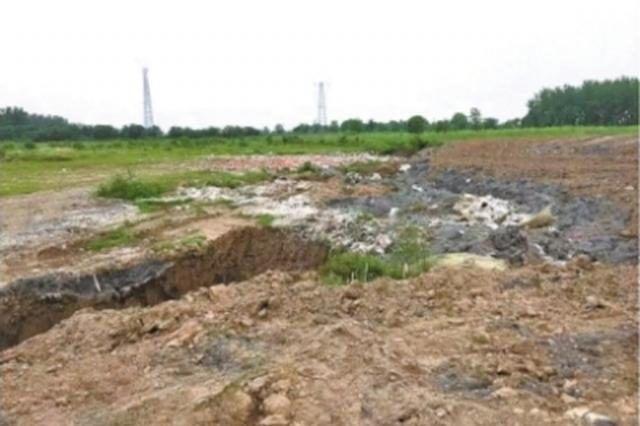 一次公益诉讼立案调查 清除长江岸边22万吨固体废料