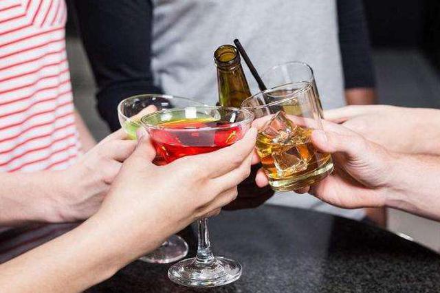 大学生饮酒现象普遍 超六成受访大学生支持高校禁酒