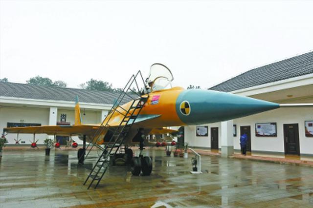 湖北退役老兵投入1300万元建兵器模型展览馆(图)