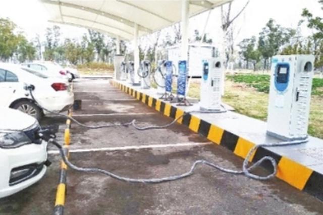 武汉天河机场首批12台充电桩试运营