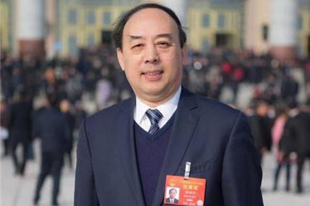 人大代表周洪宇:建议全面实施残疾学生15年免费教育