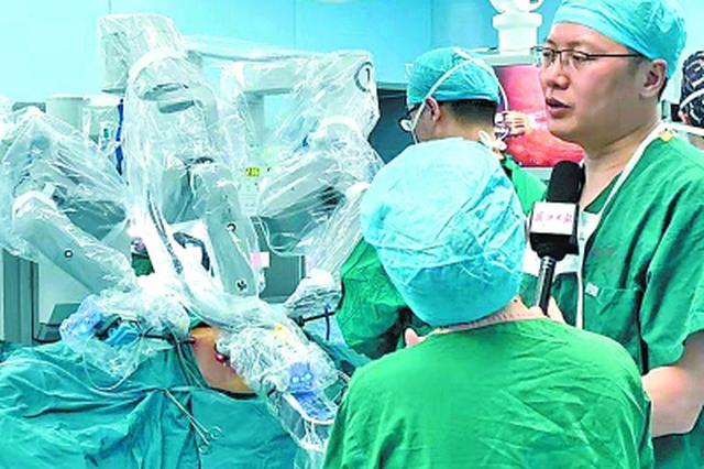 美国华人发现肾脏肿瘤需等2周以上 来汉做机器人手术