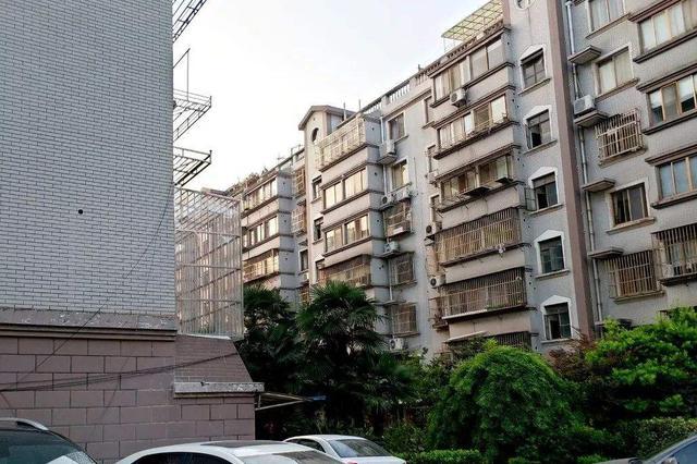 """武汉公开点名批评""""十差社区"""" 集中在这4个区"""