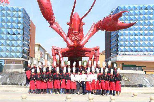 """人民时评:湖北潜江""""小龙虾学院""""为何走红?"""