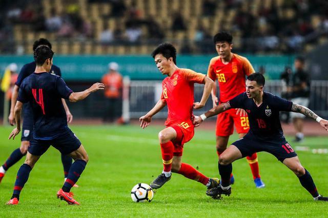 """卡纳瓦罗首秀遭遇""""开门黑"""" 中国男足0比1不敌泰国"""