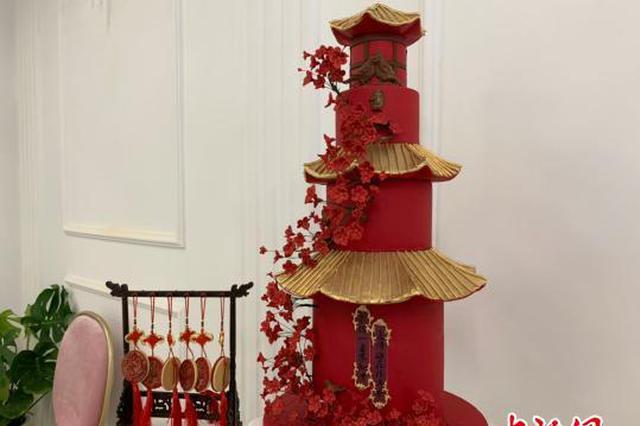 """武汉""""90后""""女生打造中国风蛋糕 多次获国际金奖"""
