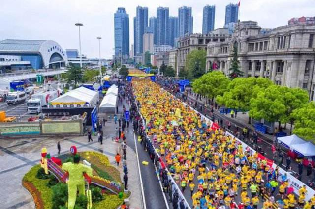 2019武汉马拉松物资陆续到位 你准备好了吗?