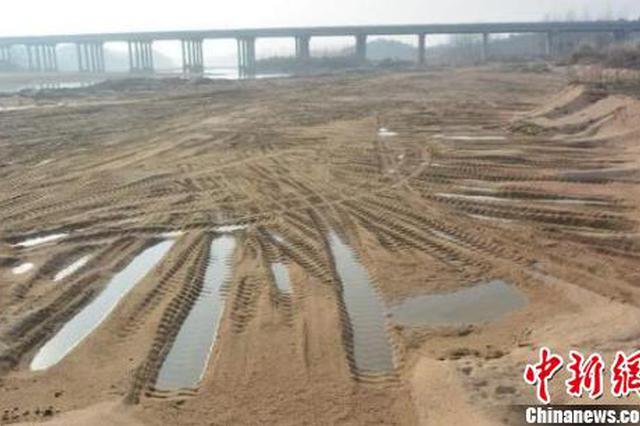 湖北浠水破获多起非法采砂案 涉案金额高达千万元