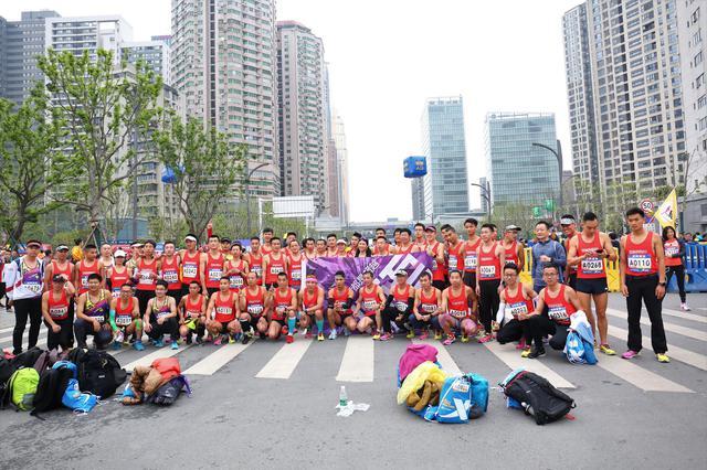2019武汉马拉松成功举办 2.4万名选手带动全城狂欢
