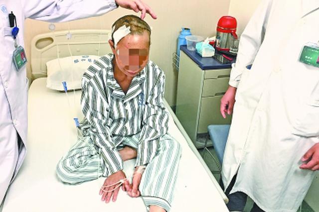 武汉一包装厂女工长发卷入机器 头皮惨遭撕裂
