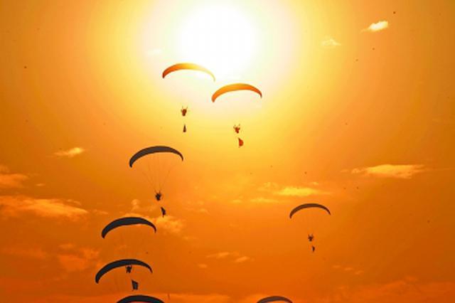 """第二届""""世界飞行者大会""""5月将在武汉举行"""