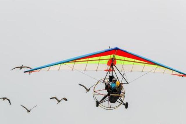世界飞行者大会武汉启幕 全球顶尖飞行员空中炫技