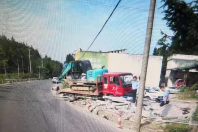 湖北利川发生严重车祸 刹车不及时致1人身亡