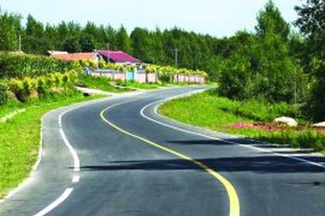 湖北37个贫困县公路总里程达12万公里 村村通客车