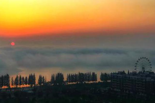 湖北钟祥现平流雾景观 莫愁湖如仙境(图)