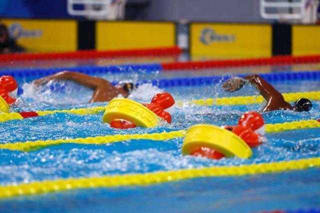 武汉军运会水上救生项目:中国队摘5块金牌破5项纪录