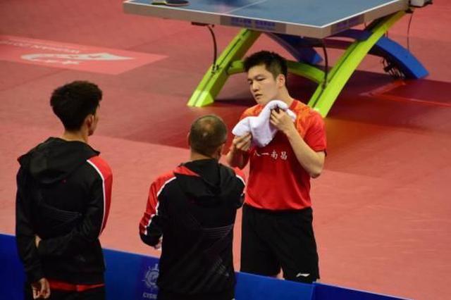武汉军运会:樊振东领衔中国乒乓男团胜希腊队获开门红