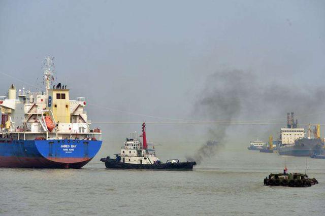 防治长江船舶污染 湖北两座化学品船舶洗舱站开建