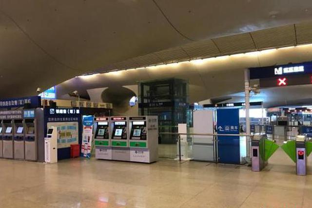 从火车站到机场 直击关闭离汉通道后的武汉