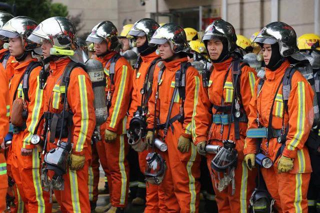 武汉一线消防员:从火神山到社区,在疫情前线防控