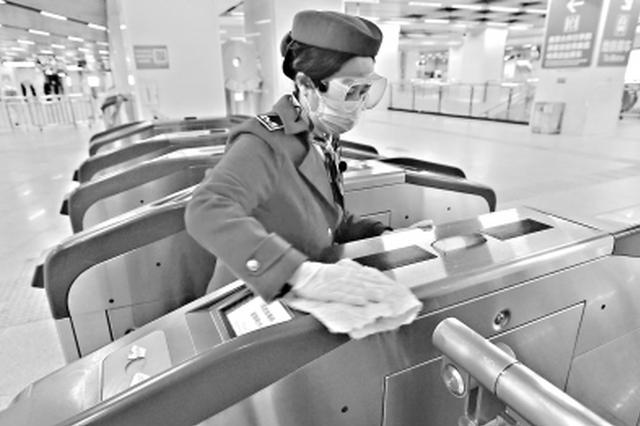 武汉地铁这些地方乘客频繁接触处一小时消毒一次