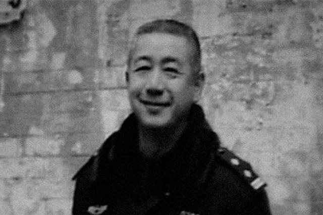 """湖北追授因公殉职民警吴涌""""人民满意的公务员""""称号"""