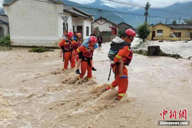水利部:南方强降雨持续 13条河流发生超警以上洪水
