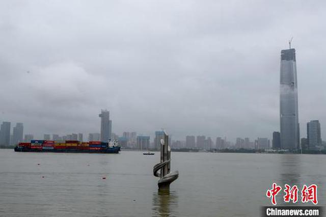 长江汉口站水位超警戒线 武汉轮渡全线停航
