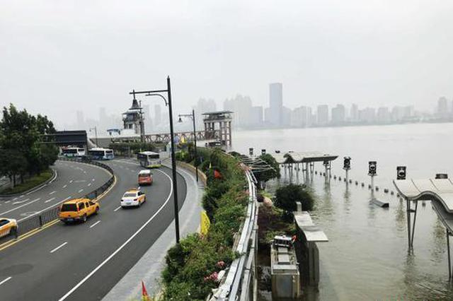 武汉进入防汛关键期 长江、汉江仍将维持高水位