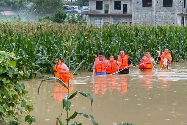 湖北恩施建始遭遇强降雨致5人死亡1人失联 城市积水已排除
