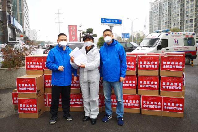 抗疫货车司机谢琳:驰援武汉新疆 一车一人一江湖