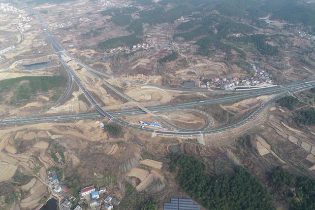10月1日湖北两条高速开通试运营