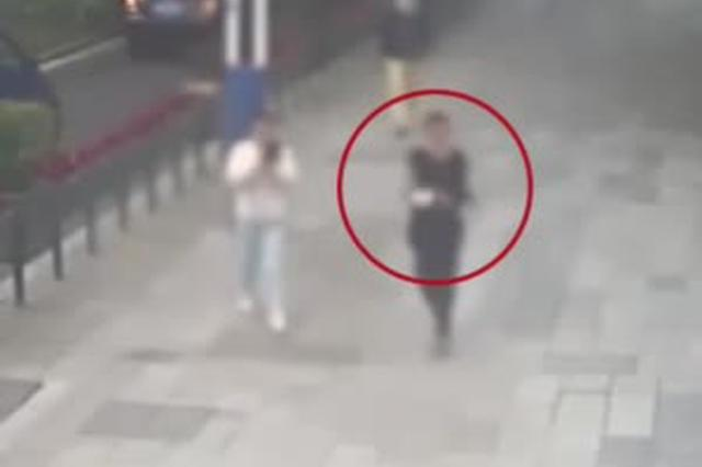 """宜昌:街头遭遇""""咸猪手"""" 女孩教科书式反击"""