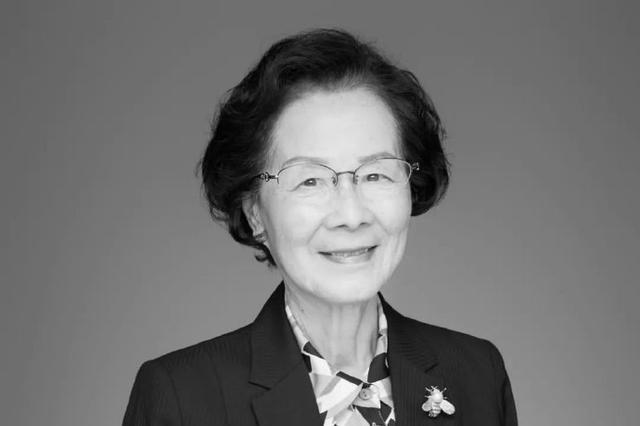 著名化学家、中国科学院院士张俐娜因病在武汉逝世