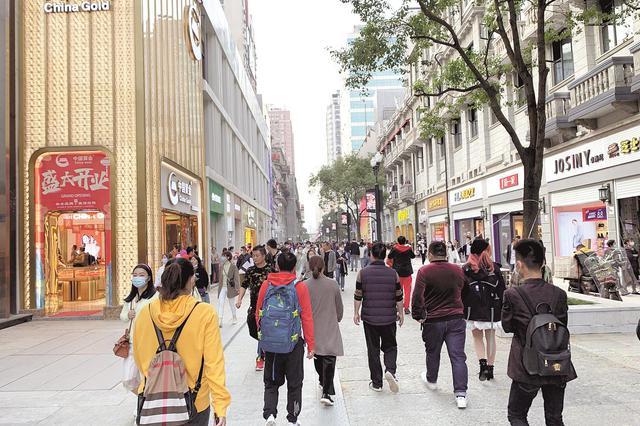 武汉江汉路步行街正式开街 百年老街归来依然翩翩少年