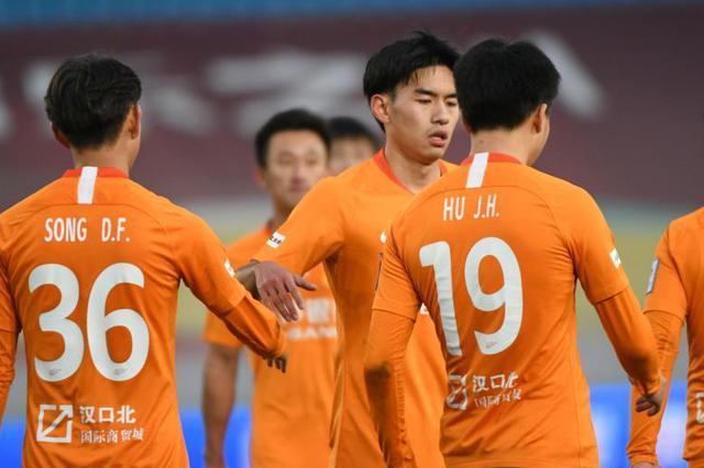 武汉卓尔全华班2-0战胜泰州远大晋级足协杯八强