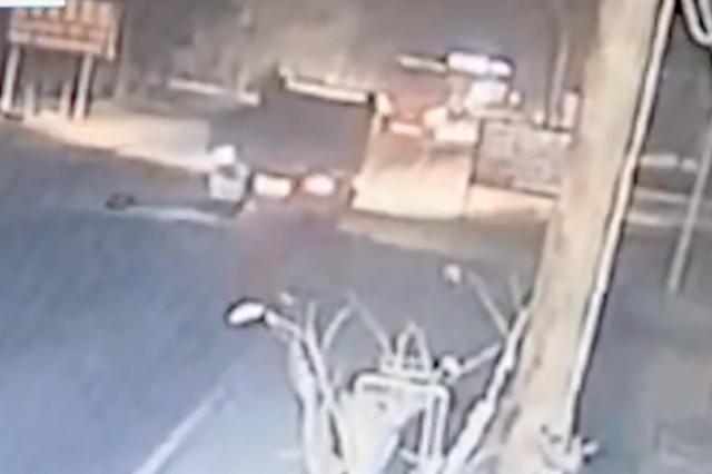 男子酒驾撞飞路人致一死一伤 逃逸后将车藏进深山