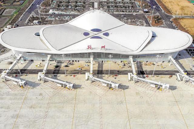 荆州机场航站楼及附属工程竣工验收