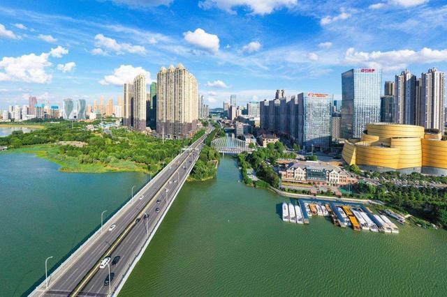 湖北代表团建议:加快推进长江中游城市群一体化发展