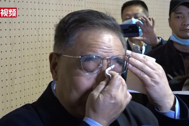张伯礼院士重返武汉几度哽咽 呼吁尽快注射疫苗