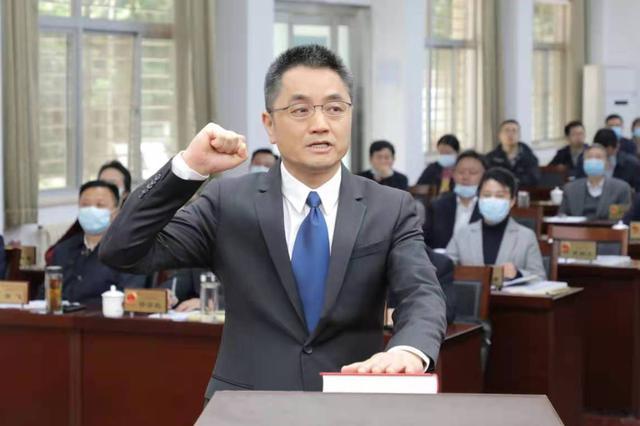 王太晖任襄阳市副市长、代理市长