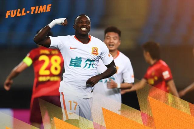 埃弗拉头槌建功 中超新赛季首秀武汉队1-1河北队