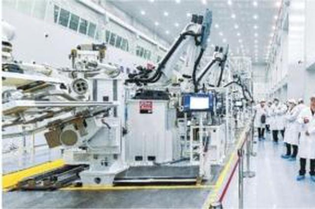 中国首条小卫星智能生产线第一颗卫星在武汉下线