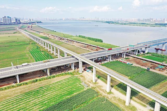 武汉地铁16号线全线贯通 沿线可览如画江景