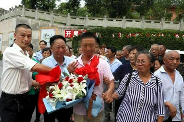 鄂閩兩地警方聯手 被拐33年男子終與父母團圓